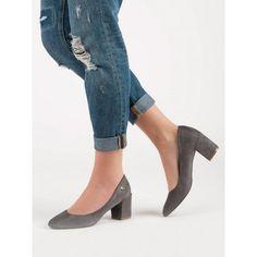 Klasické lodičky Vinceza Heeled Mules, Heels, Fashion, Heel, Moda, Fashion Styles, Shoes Heels, Fasion, High Heels