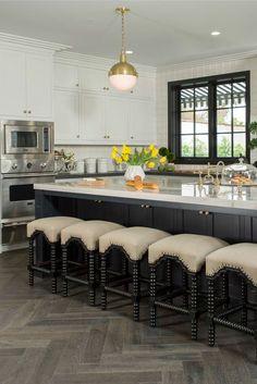 Black and white kitchen by Shop Drew's Honeymoon House! Kitchen Dining, Kitchen Decor, Dining Room, Kitchen Trends 2018, Kitchen Designs Photos, Diy Home, Home Decor, Cocinas Kitchen, Beautiful Home Designs