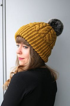 I have made this pattern detailed and easy to order to knit this hat you should know how to: - knit in a round - decrease stitches - knit cablesThis pattern is written in standard US terms. Size of finished product: Adult Cable Knit Hat, Knit Beanie, Knitting Patterns, Crochet Patterns, Knit Crochet, Crochet Hats, Faux Fur Pom Pom, Arm Knitting, Knitting Accessories