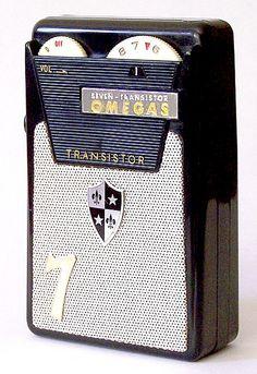 I have this radio. Love Radio, Pocket Radio, Hi Fi System, Old Technology, Vintage Television, Retro Radios, Vintage Appliances, Antique Radio, Transistor Radio