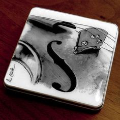 Violin Case - Business Card Holder / Slim Metal Wallet