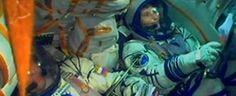 Missione Futura verso la Stazione spaziale internazionale, in orbita intorno alla Terra. L'astronauta è insieme al comandante russo e a un altro ingegnere americano: rimarrà sei mesi sulla Iss