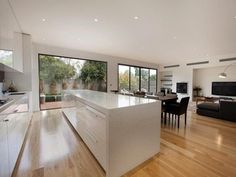 We could achieve a similar orientation (ie kitchen butting up against back window/door to backyard). #Diningroomideas