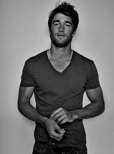 Josh Bowman, you make me melt