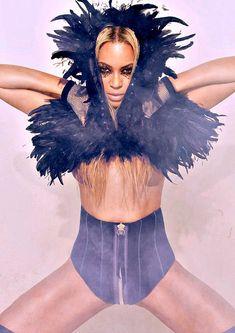 Beyonce Fans, Beyonce Style, Beyonce And Jay Z, Beyonce Coachella, Amazing Women, Beautiful Women, Big Black Woman, Beyonce Knowles, Queen B