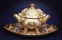 007-Sopera con tapa-Porcelana de Sevres siglo XVIII-© 2000–2010 The Metropolitan Museum of Art
