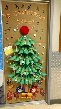 Christmas Door Decorating Ideas 85 Mhunter Nhaschools Com