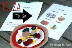 Free Kindergarten Busy Bag: Pizza To Go. Give children reading and writing practice when you are on the go. Taking felt pizza order! Kindergarten Learning, Early Learning, Fun Learning, Craft Activities, Toddler Activities, Preschool Workbooks, Preschool Ideas, Toddler Busy Bags, Playdough To Plato