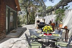 Outdoor patio with outdoor pizza oven