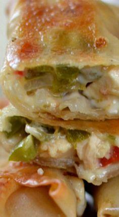 Egg Roll Recipes, Wrap Recipes, Turkey Recipes, Chicken Recipes, Dinner Recipes, Chicken Eggrolls, Fun Food, Good Food, Delicious Appetizers