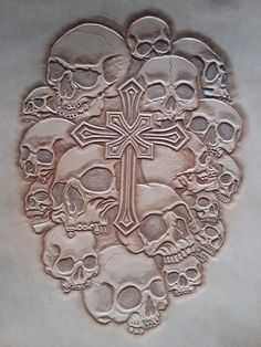Leather Carving, Leather Art, Custom Leather, Leather Design, Leather Tooling, Wood Carving Patterns, Carving Designs, Skull Stencil, Skull Art
