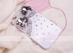 Bling Big Rhinestone bow 3D Crystal white case For IPhone 4 4G 4S   This item is on 30% sale now.  Please visti my website www.coolitem4u.com