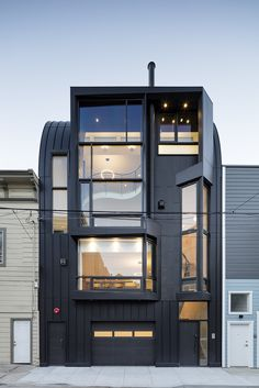 Black Mass - Linden Street Apartments | Stephen Phillips Architects (SPARCHS); Photo: Tim Griffith Photography | Archinect