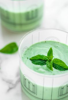 Mint and avocado smoothie