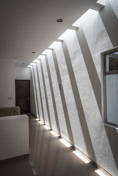 Skylight Design, Ceiling Design, Light Architecture, Interior Architecture, Home Room Design, House Design, Interior Stairs, Modern Interior Design, Minimalist Design