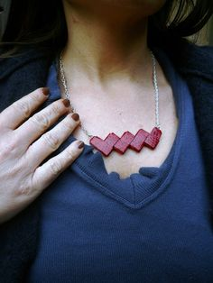 origami bookbindy paper necklace <3