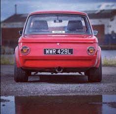 Bmw 2002, Bmw Electric Car, Bmw E30 M3, Bmw Classic, Rear View, Garage, Cars, Nice, Inspiration