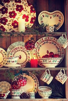 We love this Christmas Collection of Emma Bridgewater products. Find out which Emma Bridgewater designs we stock by visiting our website! Christmas China, Christmas Dishes, Christmas Kitchen, All Things Christmas, Christmas Home, Merry Christmas, Christmas Photos, Xmas, Cottage Christmas