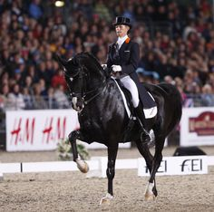Anky van Grunsven on Salinero for The Netherlands (Team)