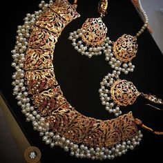 Gold Jewelry Can't believe how quickly these have gone new stock arriving soon. Order yours now. Indian Jewelry Sets, Indian Wedding Jewelry, India Jewelry, Bridal Jewelry, Stylish Jewelry, Fashion Jewelry, Hyderabadi Jewelry, Gold Jewellery Design, Gold Jewelry
