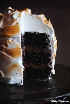 Devil´s Food Cake with black pepper meringue - Devil´s Food Cake con merengue de pimienta negra