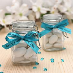 Make your little goodies really impress with Romantic Garden Petite Square Glass Favor Jar! If you plan to give candy favors at your romantic garden wedding or garden themed bridal shower, these Petite Square Glass Favor Jars keep your candies safe while Wedding Favours Bridesmaids, Wedding Favors, Wedding Ideas, Wedding Table, Wedding Cards, Personalized Baby Shower Favors, Bridal Shower Favors, Glass Candy Jars, Favour Jars