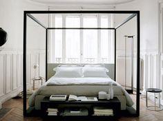 Lit baldaquin contemporain : découvrez comment le lit à baldaquin s'est refait une beauté
