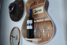 Wein-Box für zwei - aus zerbrochenen Gitarre gemac von Pelicans Products auf DaWanda.com