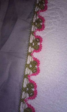 This Pin was discovered by HUZ Crochet Boarders, Crochet Patterns, Hand Applique, Lace Design, Beading Tutorials, Tatting, Needlework, Elsa, Diy And Crafts