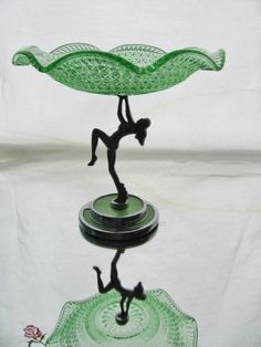 RARE ART DECO CHROME NUDE DANCING LADY & GREEN DEPRESSION GLASS CAKES STAND Antique China, Antique Glass, Green Kitchen Accessories, Art Nouveau, Glass Cakes, Green Bowl, Dream Furniture, Fenton Glass, Indiana Glass