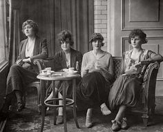 Four models from the Daily Mirror beauty contests having lunch at the Savoy Hotel, 1919. London.