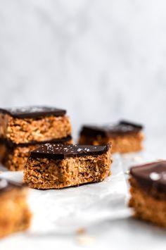 No Bake Chocolate Peanut Butter Oatmeal Bars | Ambitious Kitchen Peanut Butter Oatmeal Bars, Chocolate Oatmeal Cookies, Oatmeal Cookie Recipes, Healthy Peanut Butter, Peanut Butter Recipes, Oatmeal Dessert, Chocolate Peanuts, Chocolate Peanut Butter, Healthy Baking