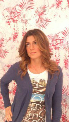 Gracias a nuestra amiga Anna por su pose después de una sesión #Peluquería @MiSalon_Castell