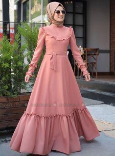 1c28a8295d3d0 Emma Fırfırlı Elbise - Tarçın - Zehrace Müslüman Elbisesi, Türban  Kıyafetler, Islami Giyim,