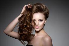 Szódabikarbóna sampon: őrült módon fog nőni a hajad! - BlikkRúzs Glossy Hair, Shiny Hair, Homemade Hair Serum, Ayurveda Hair Care, Best Hair Salon, Hair Loss Women, Wedding Hairstyles For Long Hair, Hair Wedding, Hair Transplant