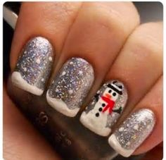 holiday nail art snowman