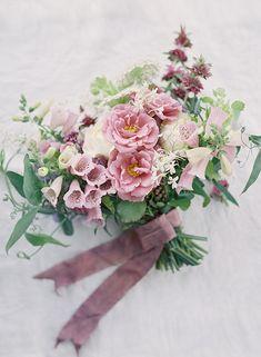 purple garden style bouquet, lilac, lavender | Heather Payne Photography