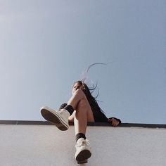 Wall | Looking up | Long hair | Converse | Blue | Sky | Legs | Photography | Ideas