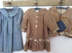 19Th C Early Child's dress Brown & White Homespun.