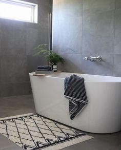 """Flisekompaniet on Instagram: """"Velkommen september! ✨ @hejmonica har et klassisk nydelig bad som nok vil inspirere mange. Badekar og fliser får du hos oss. ✨"""" Clawfoot Bathtub, Bathroom, Instagram, Clawfoot Tub Shower, Bath Room, Bathrooms, Bath, Bathing, Bathtub"""