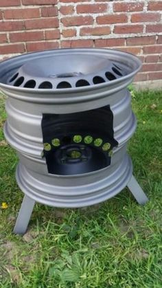 You will find remarkable suggestions for DIY welding projects on their website .You will find notable suggestions for DIY welding projects on their website - Modern Welding and Metal Working Album - Album auf Marketenden Metal Projects, Welding Projects, Garden Projects, Welding Ideas, Diy Projects, Project Ideas, Garden Ideas, Diy Fire Pit, Fire Pit Backyard