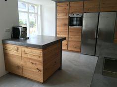 Concrete Kitchen, Kitchen Flooring, Cabin Kitchens, Cool Kitchens, Backyard House, Living Room Kitchen, Kitchen Design, Sweet Home, Loft