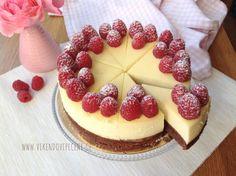 VÍKENDOVÉ PEČENÍ: Brownie cheesecake Cookie Desserts, Just Desserts, Delicious Desserts, Dessert Recipes, Yummy Food, Tiramisu Cheesecake, Cheesecake Brownies, Cheesecake Bites, Yummy Eats
