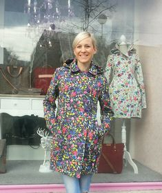 05c8d1bebd28 Podzimní či jarní nepromokavý kabátek - malovaný   Zboží prodejce MyFairy