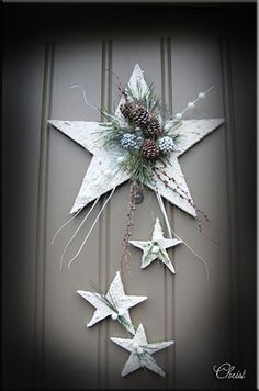 Simple and Simple Christmas Decorations - Christmas Decorations {hashta . - Simple and Simple Christmas Decorations – Christmas Decorations {hashtags - Christmas Door, Rustic Christmas, Simple Christmas, Christmas Time, Christmas Wreaths, Christmas Ornaments, Art Floral Noel, Easy Christmas Decorations, Handmade Decorations