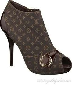 LV shoe