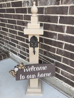 Front door decor, welcome post, hanging sign distressed Wooden Shabby Chic tan brown Sign Wreath Hanger Holder with Welcome Sign Wooden Projects, Wood Crafts, Wreath Stand, Wreath Hanger, Landscape Timbers, Front Door Decor, Front Porch, Porch Posts, Wooden Posts