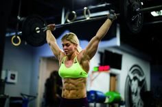Making Ence: Crossfit star Brooke Ence's constant evolution. Female Crossfit Athletes, Brooke Ence, Crossfit Gym, Muscular Women, Muscle Girls, Fitness Models, Female Fitness, Gym Workouts, Fitness Inspiration