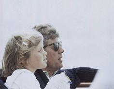 IlPost - John Kennedy e sua figlia Caroline a Hyannis Port, Massachusetts, il 25 agosto 1963