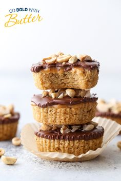 These bite-sized treats include two sticks of butter and TONS of candy bar flavor. They include gooey caramel, peanut butter, and rich chocolate on top of a buttery graham cracker base. This recipe took place in the 2019 Holiday Cookie Recipe Contest! Holiday Cookie Recipes, Holiday Cookies, Graham Cracker Crumbs, Graham Crackers, Caramel Candy, Fun Cookies, Stick Of Butter, Bar Recipes, Recipies